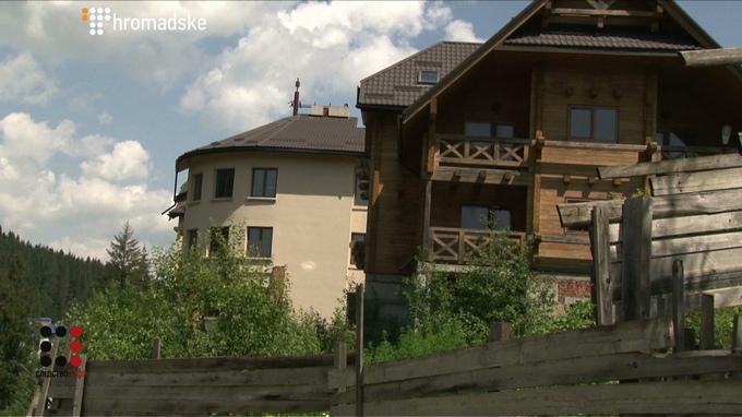З'явилися фото і відео шикарних володінь кума Путіна в Україні (6)