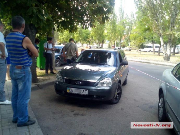 У Миколаєві озброєні грабіжники влаштували стрілянину: з'явилися фото (1)