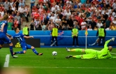 Комментатор матча Евро-2016 получил футбольный оргазм в прямом эфире: опубликовано видео