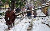 Впервые за последние 10 лет Индию накрыл мощный снегопад: зрелищные фото и видео