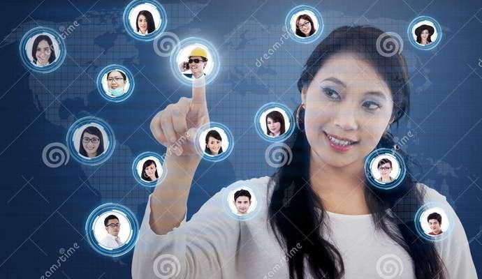 Социальные сети являются главной причиной женской самокритики