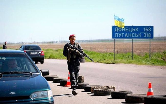На Донбасі ніяк не затихне: у Порошенка розповіли про втрати