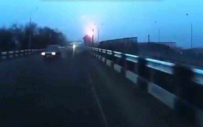 Появилось впечатляющее видео обстрела на оккупированном Донбассе