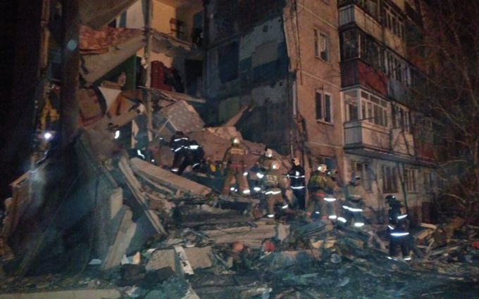 Поисково-спасательные работы наместе рухнувшего дома вКазахстане завершены