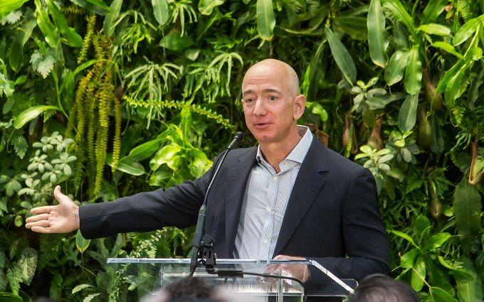 Глава Amazon пожертвує мільярди доларів на порятунок планети