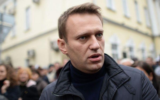 Навальный узнал, что соратник Путина через 40 дней после смерти улетел из США