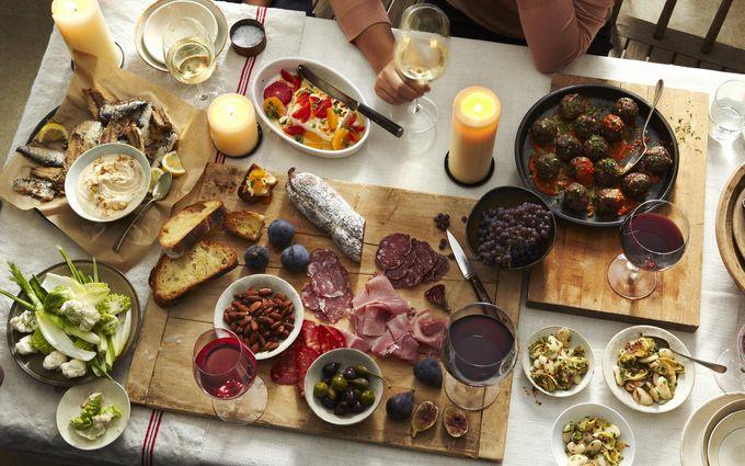 Чим небезпечна пізня вечеря: вчені прийшли до нового висновку
