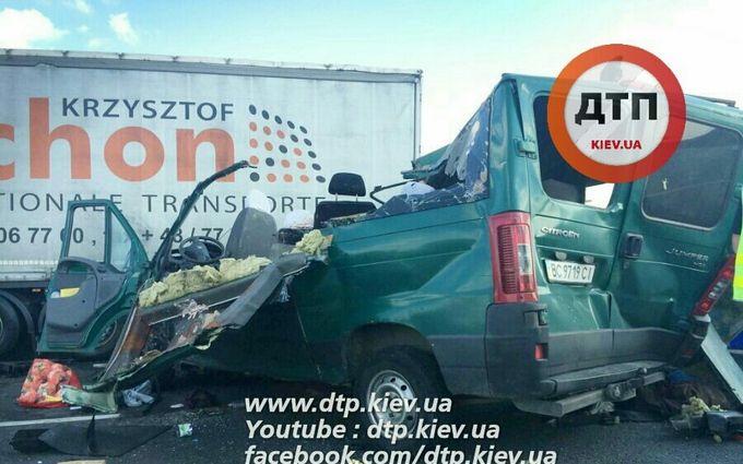 У Польщі розбився український автобус, багато загиблих: опубліковані фото