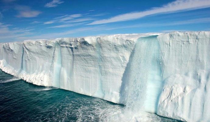 Северный полюс тает