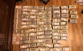 Руководителя налоговой службы Луганщины времен Януковича задержали с $3,8 млн долларов в сумке