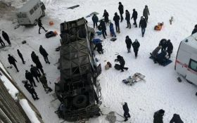 В России автобус с пассажирами рухнул с моста, много погибших: появились жуткие фото и видео