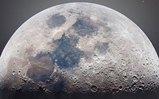 Такого ніколи ніхто не бачив - опубліковані нові захоплюючі фото Місяця