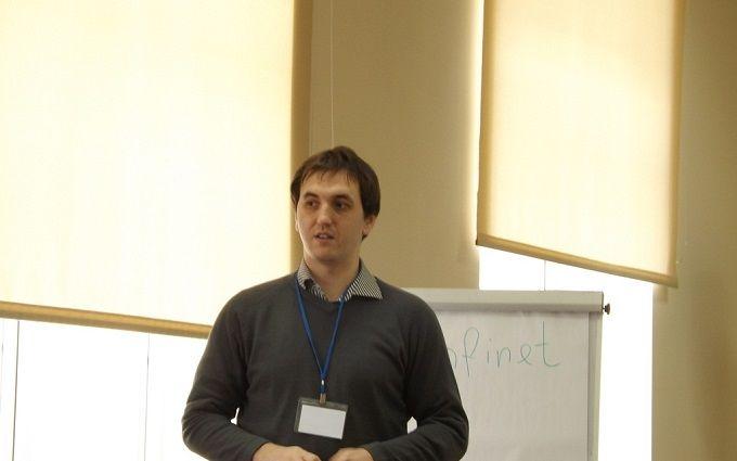 Російський блогер отримав українське громадянство: опубліковано фото