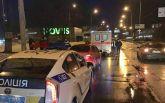 В Киеве произошло жуткое ДТП с двумя машинами и девушкой-пешеходом: появились фото и видео