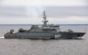 Біля кордонів ще однієї країни помітили військовий корабель РФ