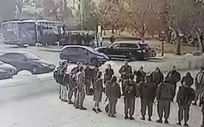 Грузовой автомобиль наехал нагруппу военнослужащих вИерусалиме: 4 погибших, 15 раненых