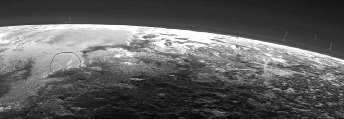 У NASA виявили хмари над Плутоном: опубліковані фото (1)