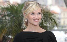 Голливудская звезда засветилась на отдыхе в вышиванке: опубликованы фото