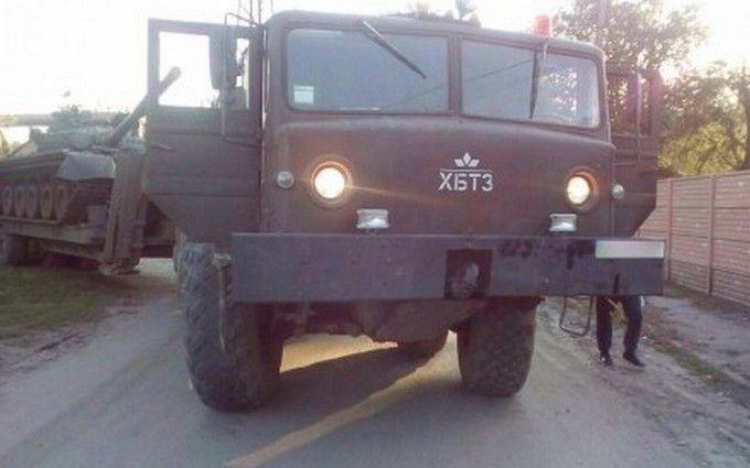 У ДТП з військовою технікою в Харкові серйозно постраждала людина: з'явилося фото