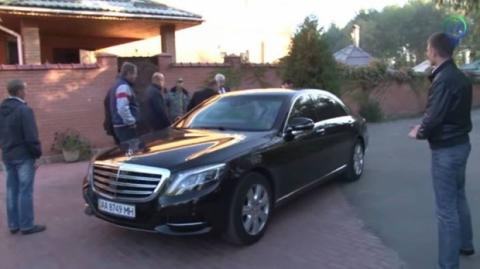 ЗМІ: Шокін їздить на Mercedes за 19 млн грн, прикриваючись номерами від Skoda (5 фото) (1)