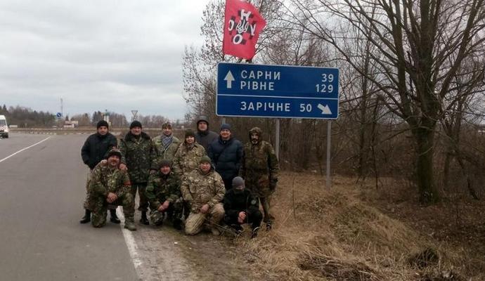 В Ровенской области также начали блокировать фуры из РФ