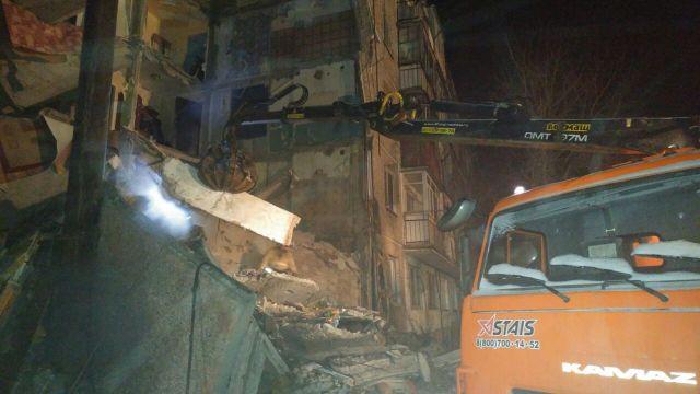 В Казахстане обрушился дом, много погибших: появились фото и видео (1)