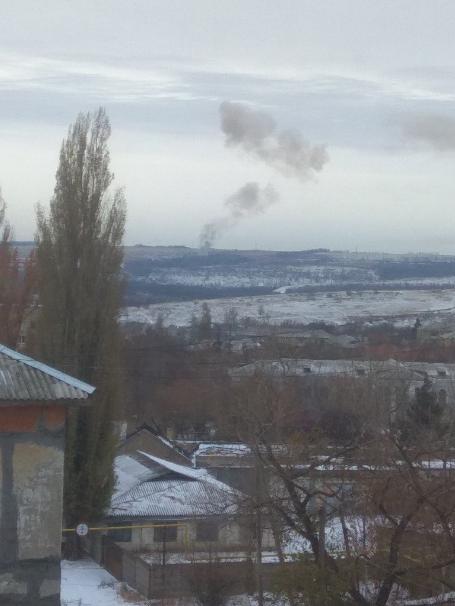 """В """"ДНР"""" прогремели мощные взрывы на артиллерийском арсенале боевиков: фото и видео (1)"""