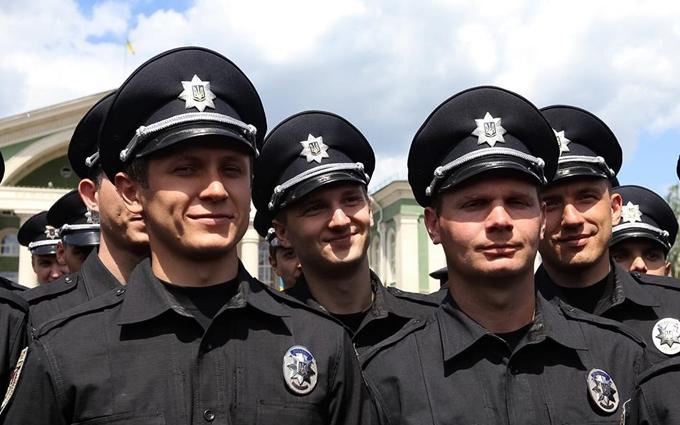 У трьох містах Донбасу з'явилася нова поліція: опубліковані фото