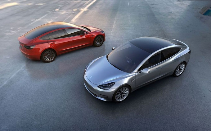 Tesla представила новый электромобиль Model 3: опубликовано фото и видео