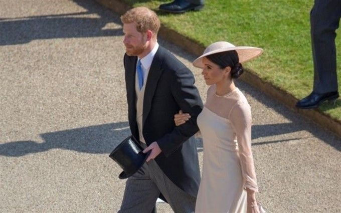 """Принц Гарри и Меган Маркл """"дебютировали"""" в статусе супружеской пары: опубликованы фото"""