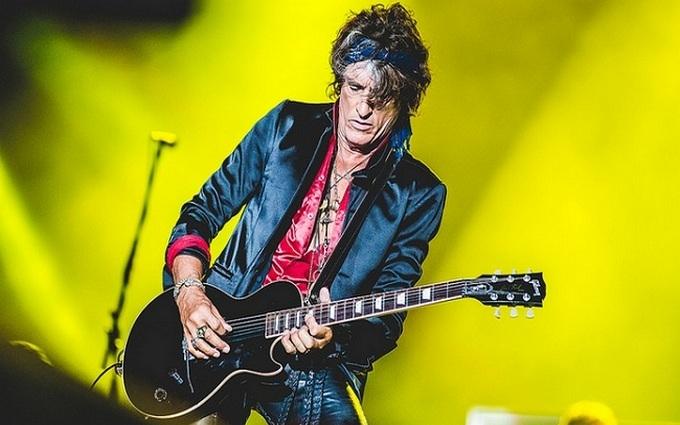 Легендарний рокер госпіталізований під час концерту