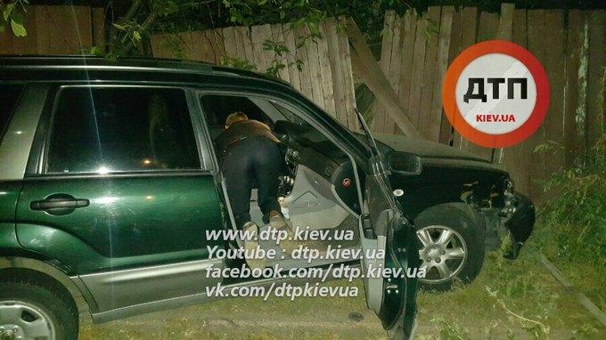 У Києві сталася п'яна ДТП: з'явилися фото і відео з водієм-скандалістом (1)