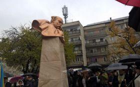 В Румынии открыли памятник великому украинцу: появились фото