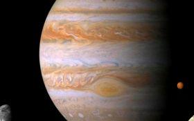 Спливаючі хмари та потужний ураган: NASA показало нове видовищне фото з Юпітера