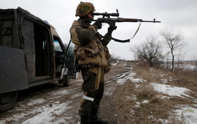 За прошлые сутки боевики 71 раз обстреливали позиции сил АТО (видео)