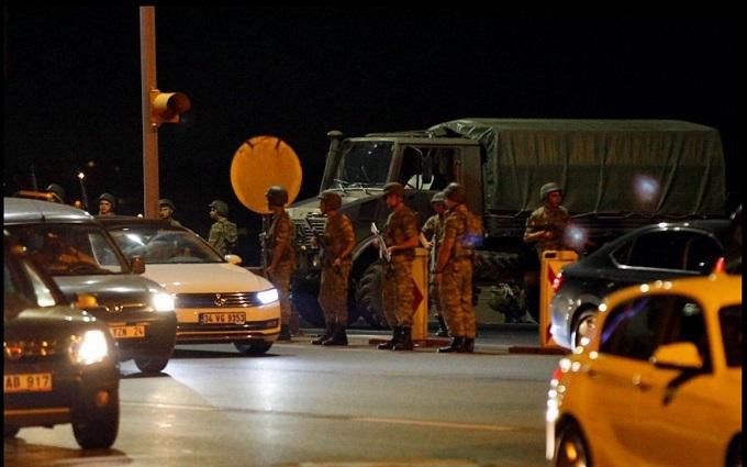 Число загиблих при провальному перевороті в Туреччині різко зросло
