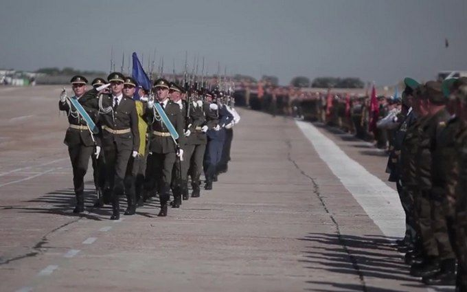 На репетиции парада в Киеве показали новую форму ВСУ: опубликовано видео