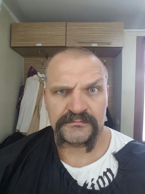 Вірастюк пожертвував бородою заради ролі (2)