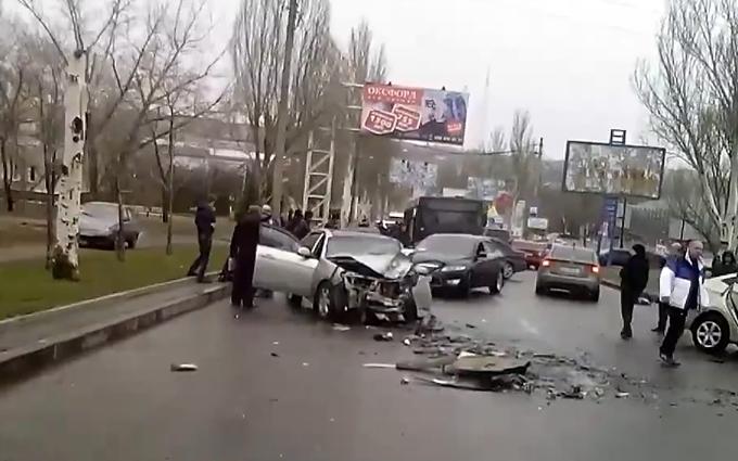 Боевики устроили аварию в Донецке: появилось видео