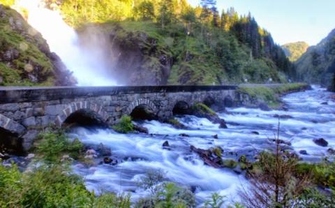 Найзахопливіші водоспади в світі, від краси яких завмирає серце (15 фото) (7)