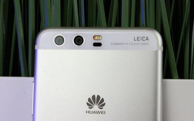 Huawei представит смартфоны с тройной основной камерой