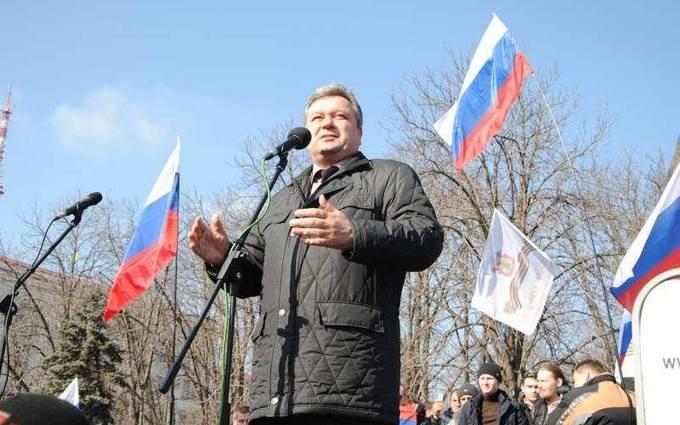 Хвастались чемоданами денег от Путина: кто и как начал войну на Донбассе