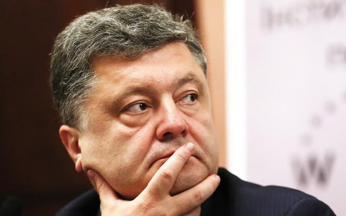 """Порошенко рассказал парламенту, как выйти из кризиса: не занимать """"страусиную позицию"""""""