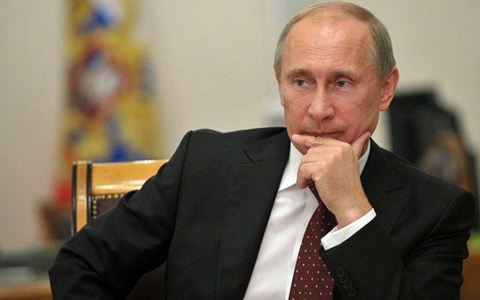 Самый обиженный из людей: соцсети смеются над запретом критиковать Путина