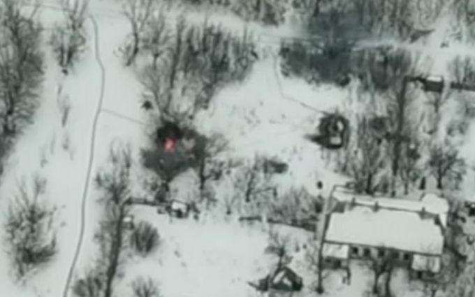 Бойцы ВСУ точным ударом уничтожили технику боевиков на Донбассе: опубликовано зрелищное видео