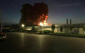Под Киевом горело фармацевтическое предприятие: опубликованы видео пожара