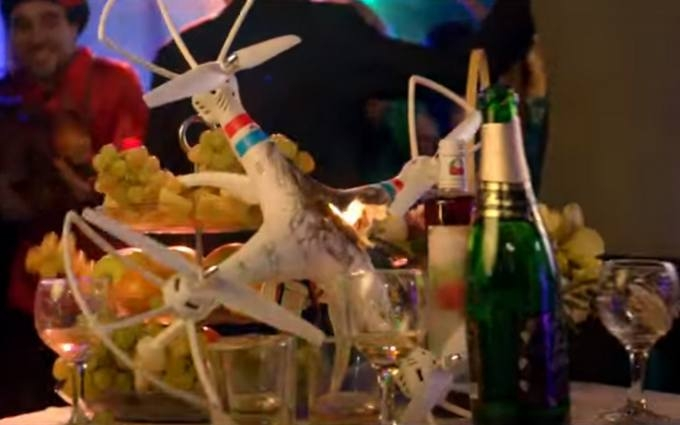 У кліпі путінського репера побачили глузування над збитим Boeing на Донбасі: опубліковано відео