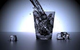 Диетолог объяснила, когда и сколько пить воды