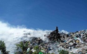 Під Києвом палає сміттєзвалище, опубліковані фото