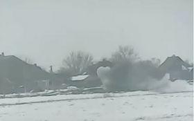 Яркий пример возмездия: опубликовано видео мощного удара ВСУ по позиции боевиков на Донбассе